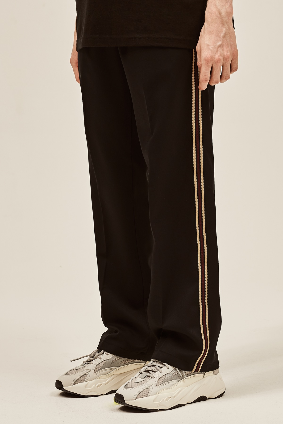 BEIGE SIDE LINE WIDE SLACKS