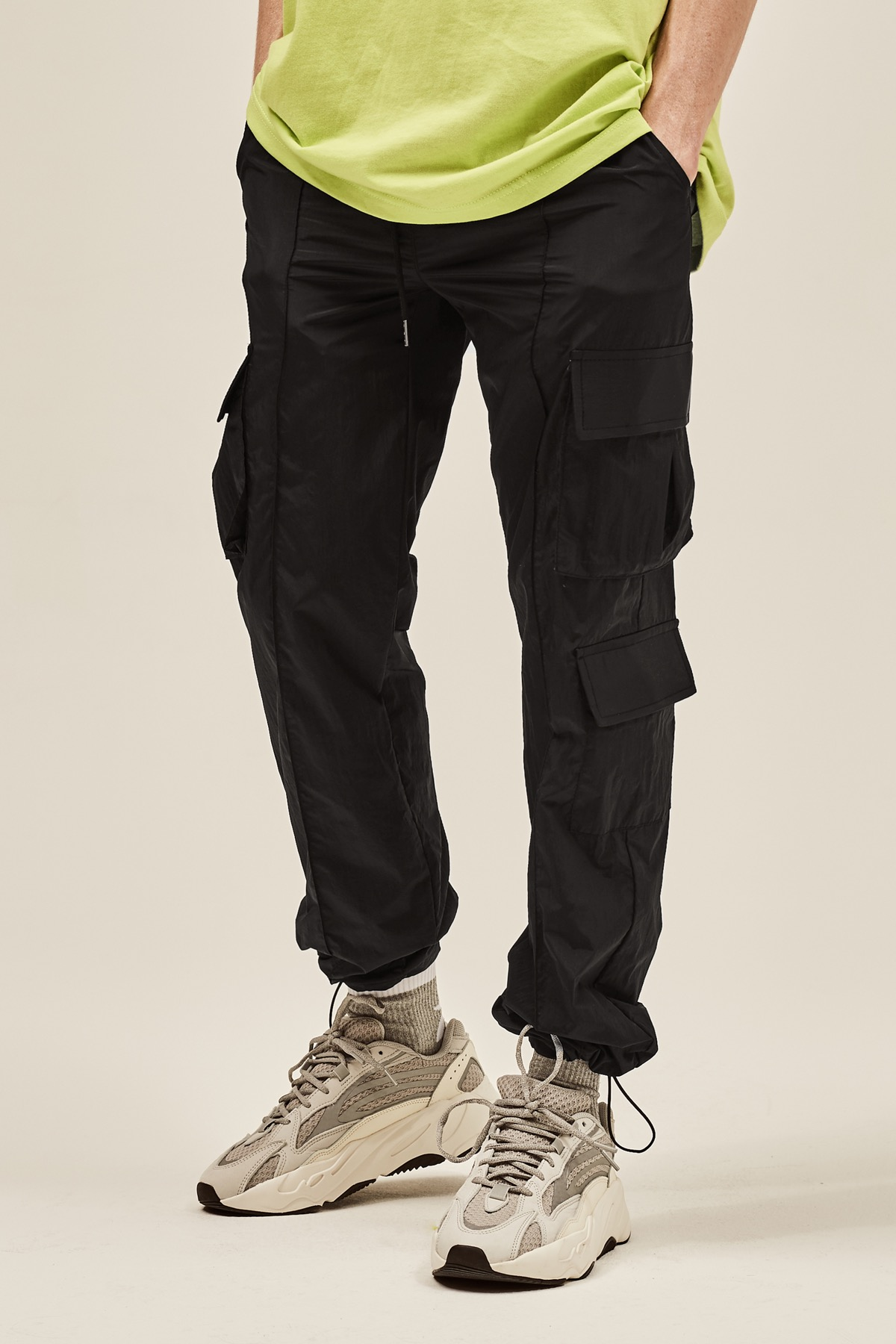 BLACK NYLON METAL CARGO STRING PANTS