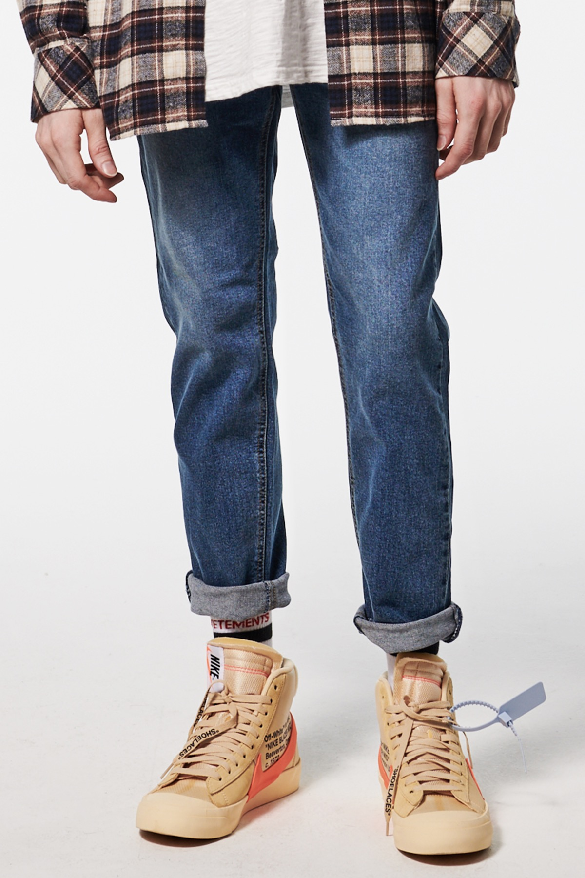 DISPATCH CROPPED JEANS