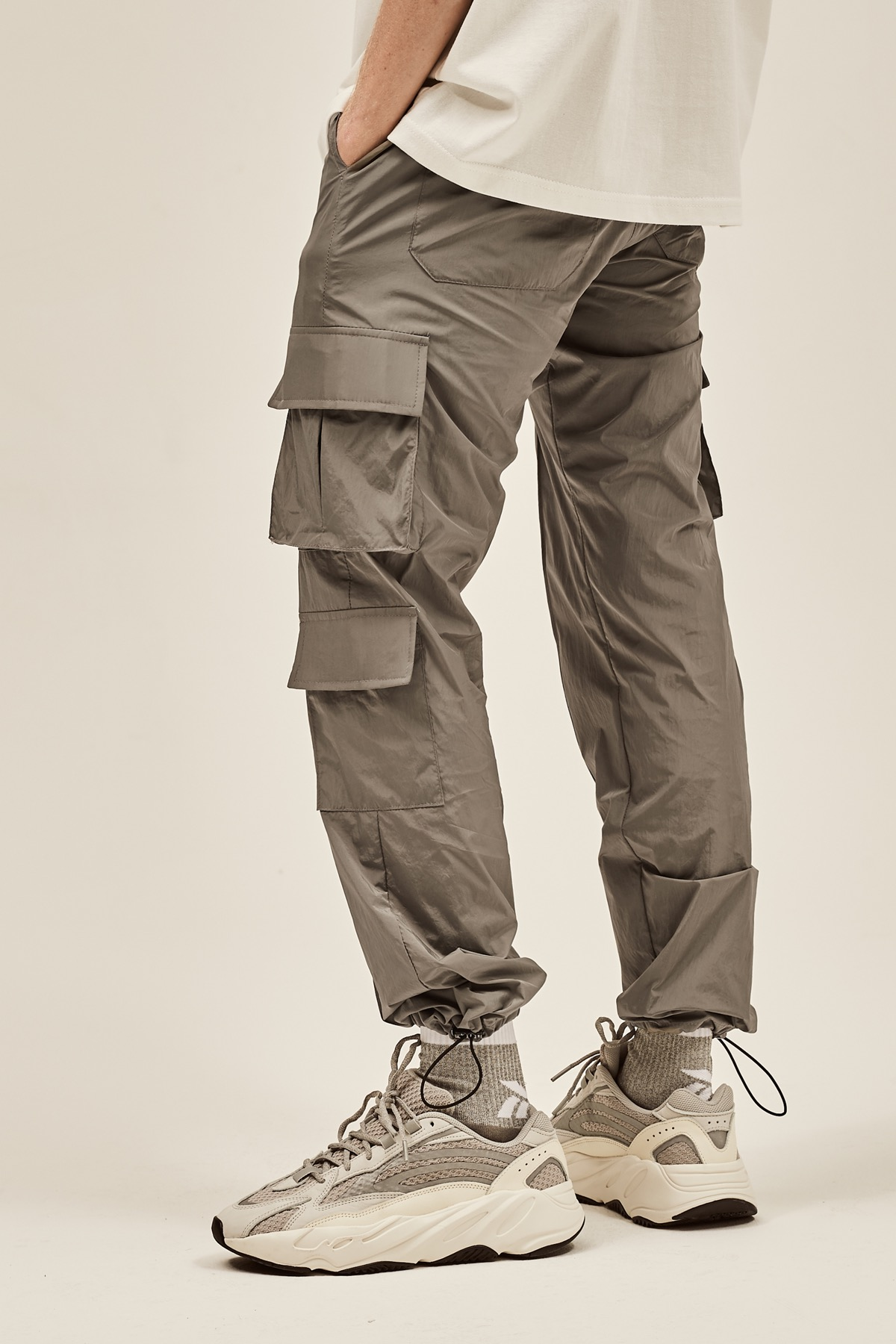 GRAY NYLON METAL CARGO STRING PANTS